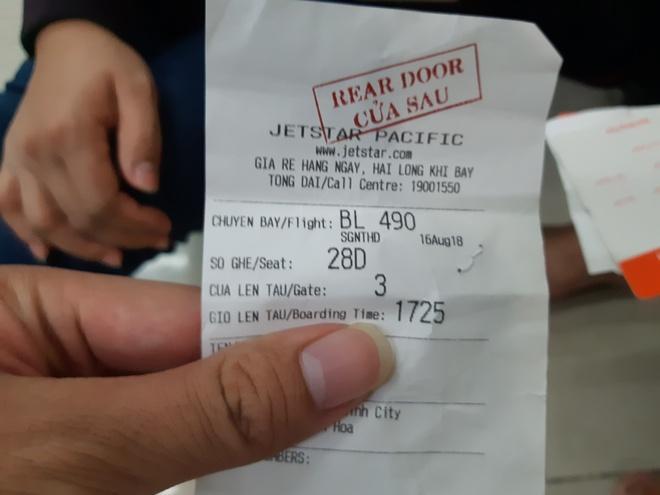 Mua lon, may bay di Thanh Hoa ha canh o Ha Noi hinh anh 2