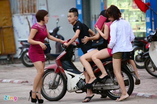 10 tu diem nghi mai dam tai Ha Noi khong co pho Tran Duy Hung hinh anh