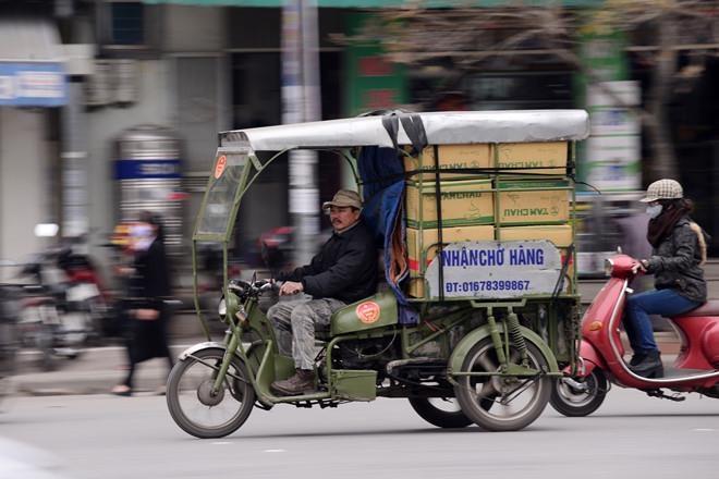 So GTVT: Phan lon lai xe 3 banh cho hang la thuong binh gia hinh anh 1