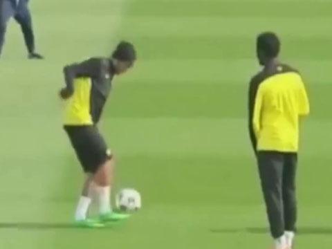 Tong hop nhung man choi bong freestyle cua Neymar hinh anh