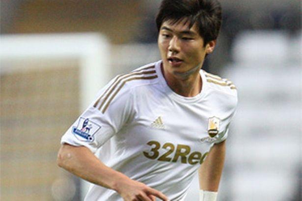 Ki Sung-Yong bat ngo mo ty so cho Swansea hinh anh