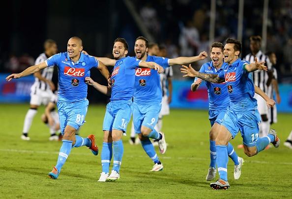 Tran chung ket sieu kich tinh giua Juventus va Napoli hinh anh