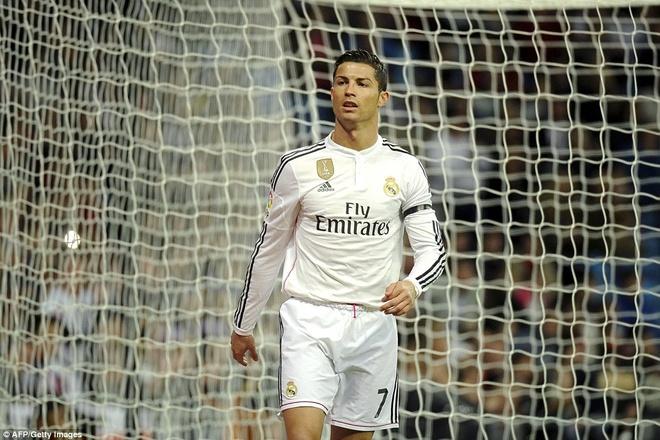 Gareth Bale lap cu dup, Real bam sat Barcelona hinh anh 4 Cầu thủ xuất sắc nhất thế giới năm 2014 tỏ ra khá vô duyên trong những trận đấu gần đây.