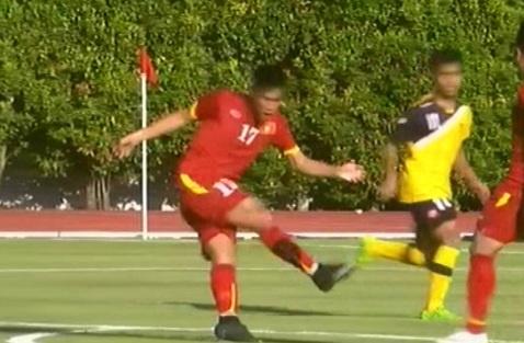 Mac Hong Quan volley ghi ban hinh anh