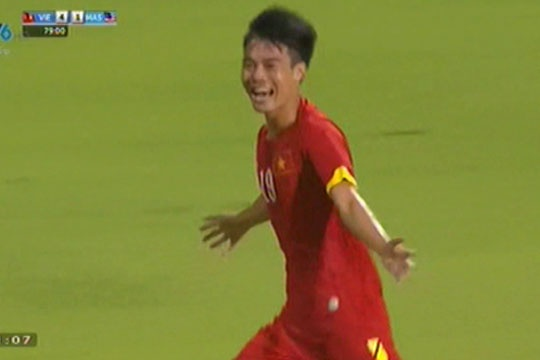 Van Toan tang bong ky thuat qua dau thu mon U23 Malaysia hinh anh
