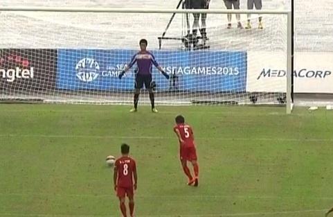 Ban thang tren cham 11 m cua U23 Myanmar hinh anh
