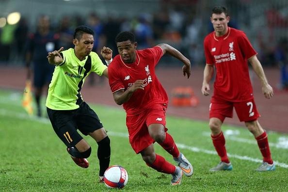 Liverpool bat ngo bi Malaysia XI cam hoa 1-1 hinh anh