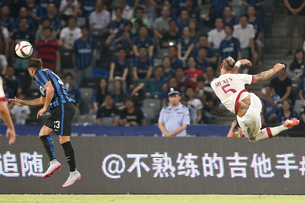 AC Milan thang Inter nho ban thang dep cua Mexes hinh anh