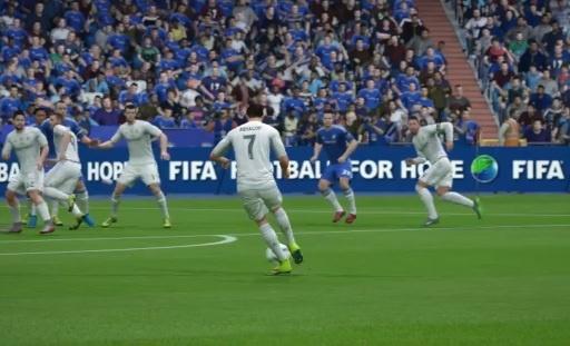 Pha sut phat dep mat cua Ronaldo trong FIFA 16 hinh anh