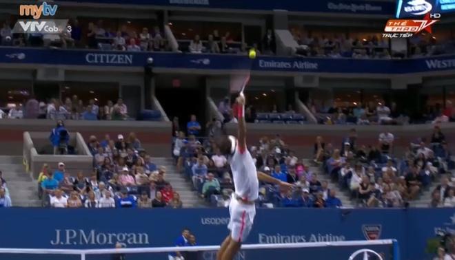 Hai pha lop bong lien tiep cua Djokovic khien Federer bo tay hinh anh