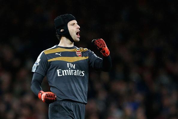 Petr Cech cuu thua an tuong o vong 10 Ngoai hang Anh hinh anh
