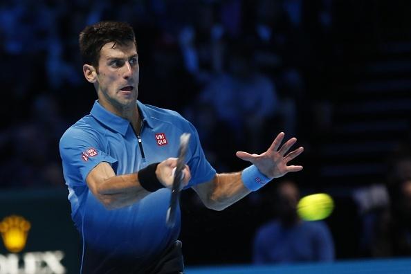 Federer bat luc truoc cu thuan tay cua Djokovic hinh anh
