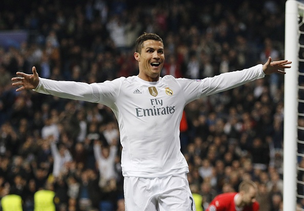 Man trinh dien xuat sac cua Ronaldo o vong bang cup C1 hinh anh