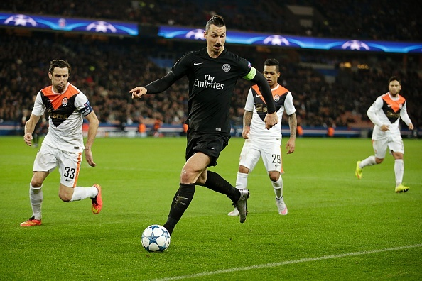 Ibrahimovic lap cong giup PSG vuot qua Shakhtar Donetsk hinh anh
