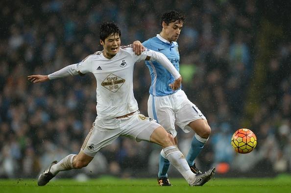 Tong hop tran dau: Manchester City 2-1 Swansea hinh anh
