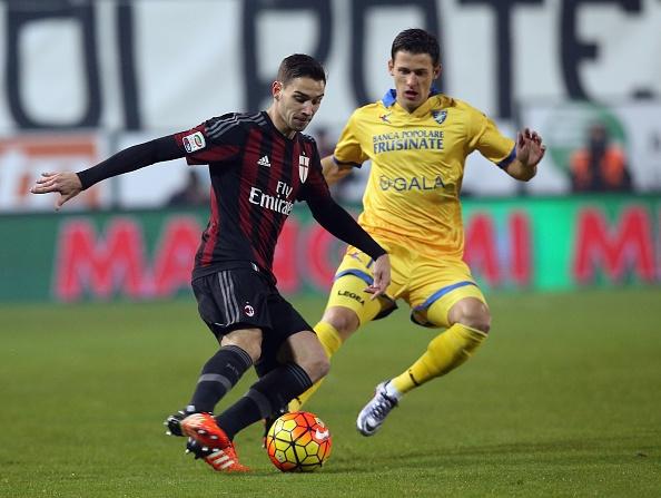 Tong hop tran dau: Frosinone 2-4 AC Milan hinh anh