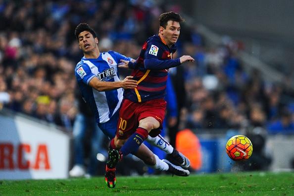Tong hop tran dau: Espanyol 0-0 Barcelona hinh anh