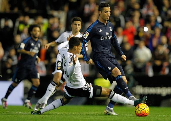Man trinh dien cua Ronaldo truoc Valencia hinh anh