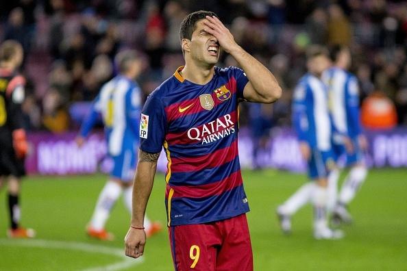 Pha bo lo khong tuong cua Luis Suarez hinh anh