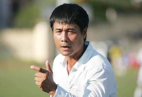 HLV Huu Thang phu nhan chuyen dan dat U23 Viet Nam hinh anh