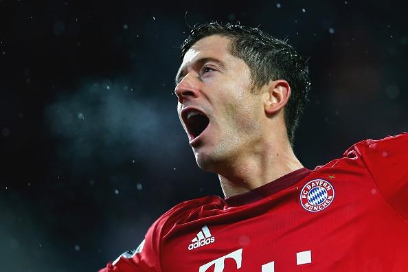 Lewandowski lap cu dup giup Bayern thang Augsburg 3-1 hinh anh