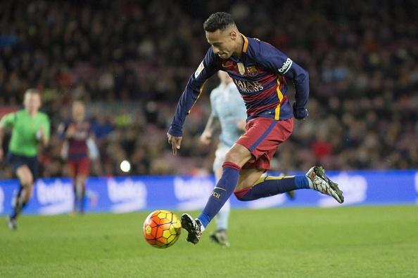 Pha gap bong qua nguoi dang cap cua Neymar hinh anh