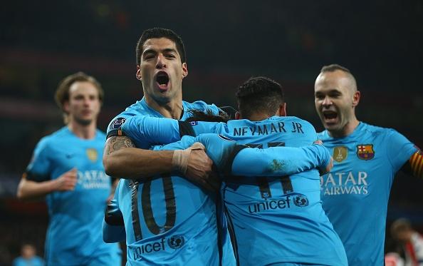 Tong hop tran dau: Arsenal 0-2 Barcelona hinh anh