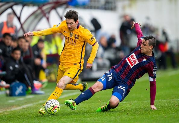 Tong hop tran dau: Eibar 0-4 Barcelona hinh anh