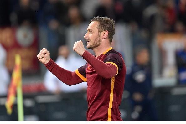Totti ghi 2 ban giup AS Roma thang kich tinh Torino hinh anh