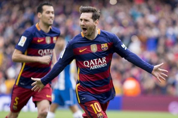 Nhung pha sut phat an tuong cua Messi mua nay hinh anh
