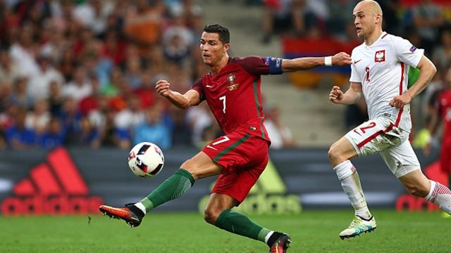 Man trinh dien cua Ronaldo truoc Ba Lan hinh anh