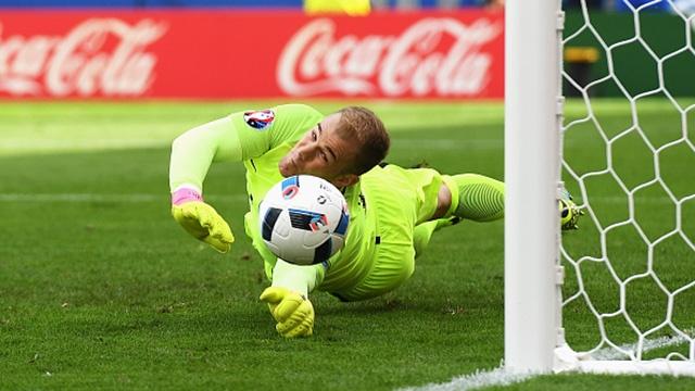 Bale sut phat ha guc Joe Hart hinh anh