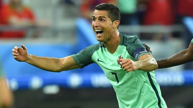 Man trinh dien xuat sac cua Ronaldo truoc Xu Wales hinh anh