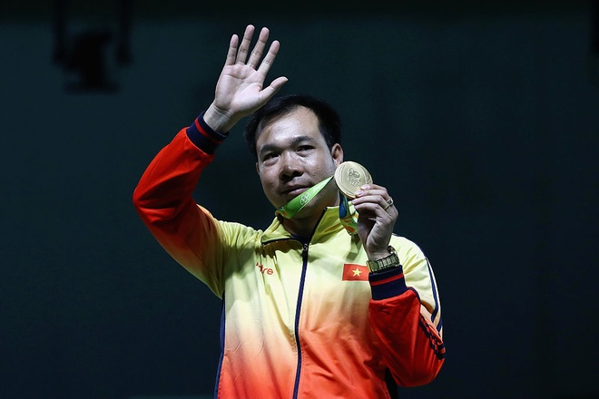 Xa thu Hoang Xuan Vinh gui loi chao doc gia Zing.vn hinh anh