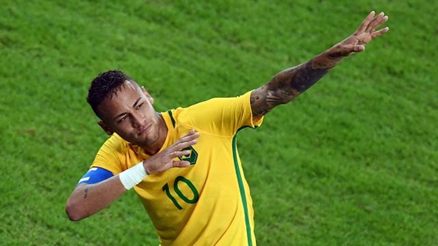 Pha sut phat qua kho cua Neymar hinh anh