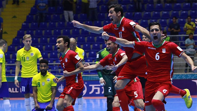 Video futsal Brazil thua soc Iran o World Cup 2016 hinh anh