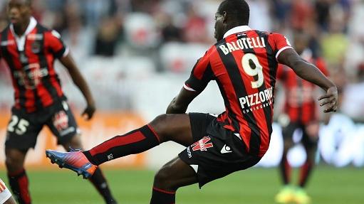 Balotelli va Cavani ghi ban dep nhat vong 8 Ligue 1 hinh anh