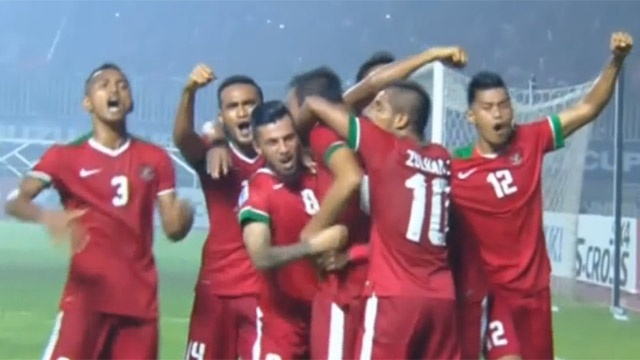 Highlights Indonesia 2-1 Thai Lan hinh anh