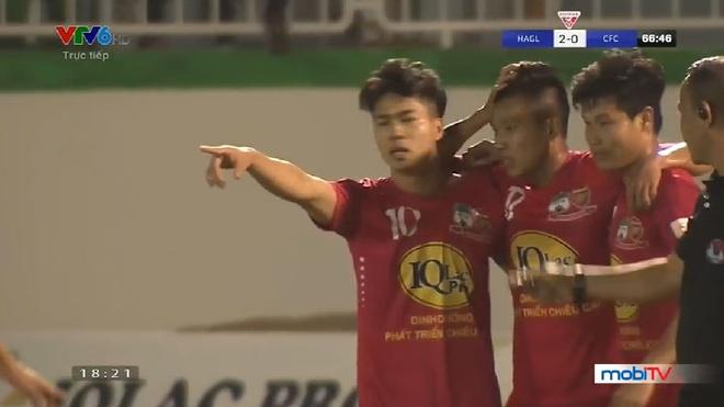 Pha volley rat nhanh cua Cong Phuong hinh anh
