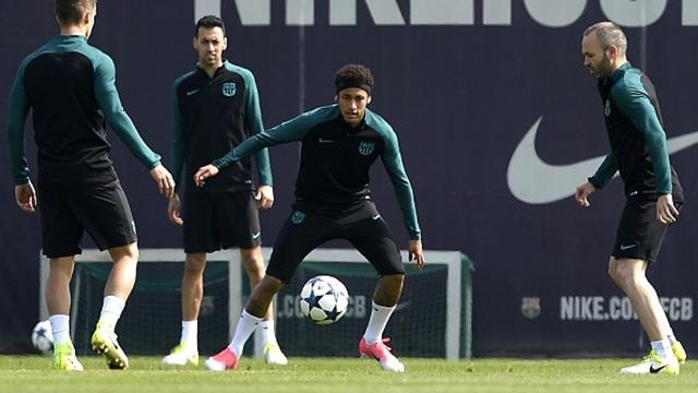 Cau thu Barcelona vui ve da ma truoc tran gap Juventus hinh anh