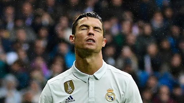 Video pha sut hong 11 m cua Ronaldo khien Real suyt om han hinh anh