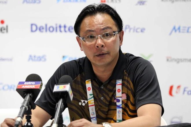 Bao Malaysia: 'Than may man mim cuoi voi HLV Ong Kim Swee' hinh anh 2