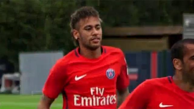 Neymar rang ro trong buoi tap dau tien o PSG hinh anh