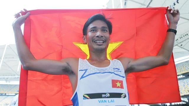Nguyen Van Lai phuc han VDV Indonesia o noi dung 5.000 m hinh anh