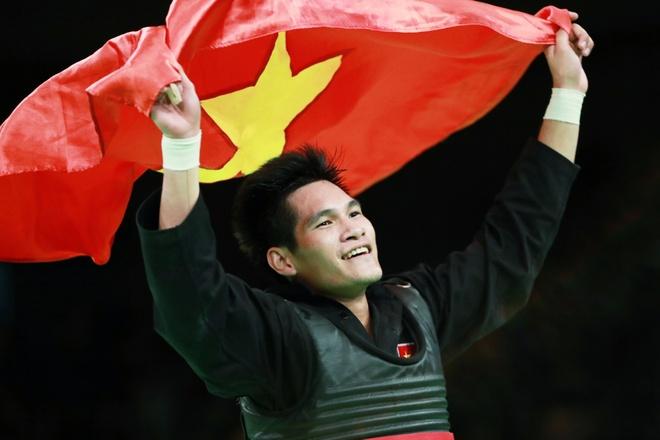 Nguyen Duy Tuyen gianh HCV Pencak silat SEA Games 29 hinh anh