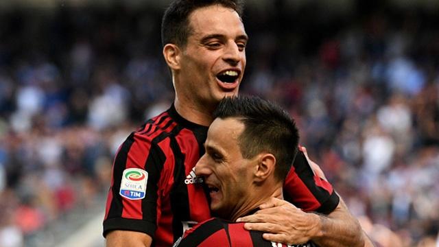 AC Milan vao top 4 sau tran thang Udinese hinh anh