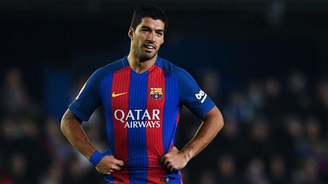 Suarez sa sut vi phai nhuong vi tri trung tam cho Messi hinh anh