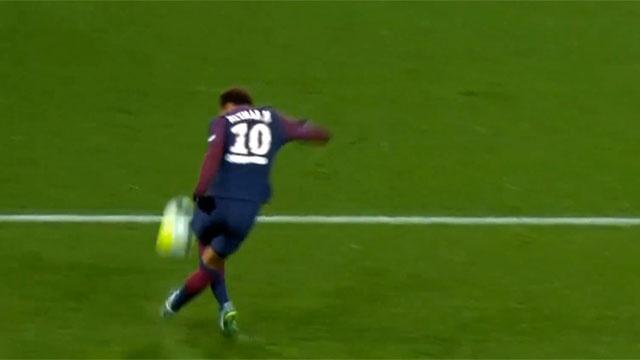 Pha rabona dieu nghe cua Neymar hinh anh