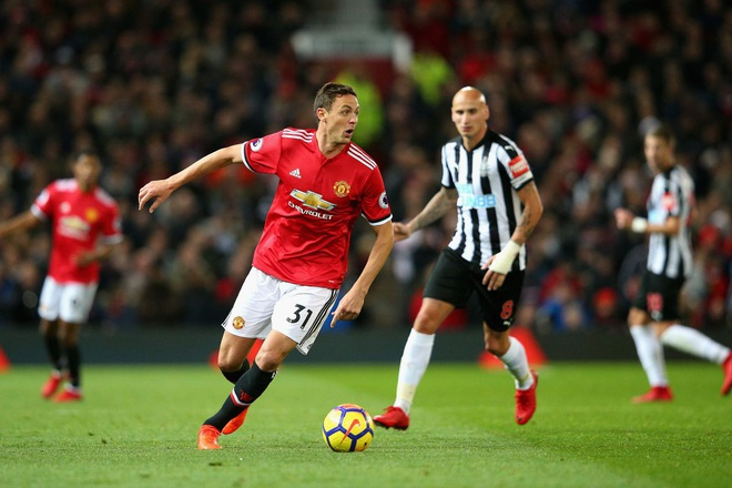 Newcastle vs MU: Mourinho quyet xoa dop tai St James Park hinh anh