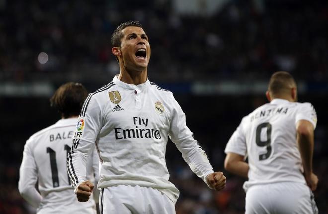 Real Madrid vs PSG: Chu nha nam nhieu loi the hinh anh
